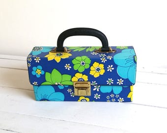 Very cool vintage flower storage pouch