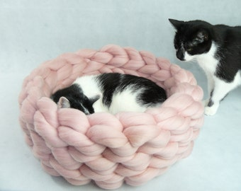 Cat Bed, Cat House, Cat furniture, Cat Cave, Chunky Cat Bed, Chunky Cat House, Chunky Bedding, Puppy Bed, Dog Bed, Dog Furniture, Gift, SALE
