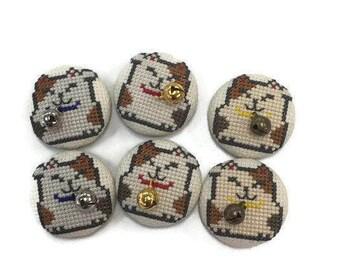 Cross-stitich magnet Beckoning cat (beckoning cat cross stitch magnet)