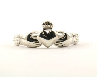 Vintage Women's Ireland Claddagh Heart In Hands Ring 925 Sterling Silver RG 632-E