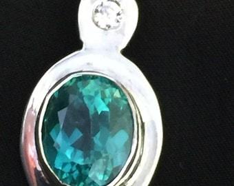 Apatite and fine silver pendant