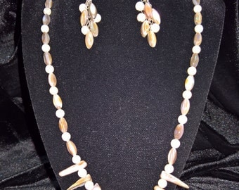 MOTHER OF PEARL necklace w/cluster earrings