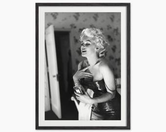 Marilyn Monroe Spraying Chanel Number 5 - Black and White Photo