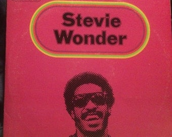 Stevie Wonder Limited Edition 3-Record Set- Looking Back (1977)