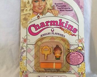 Hasbro Charmkins. Brown Eyed Susan Charm