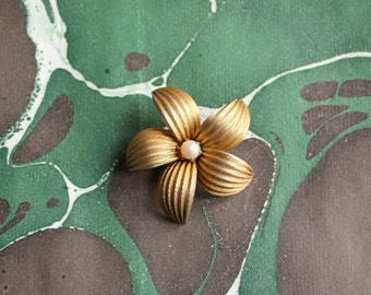 Vintage french flower 50's brooch