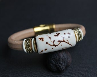 Regaliz Licorice Leather Bracelet in natural with Polymer clay Bead