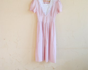 Vintage 70s Short Sleeve Pink Prairie Dress with Lace Front - Women's 6P - Olivia Rose