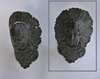 2 reds/recceptacles of bronze - vintage/old XIX century billiard ball