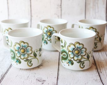 5 Pretty Johnson Bros 'LORETO' Pattern Coffee Cups And Saucers