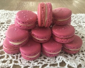 Basic Macaron with your choice of color and filling