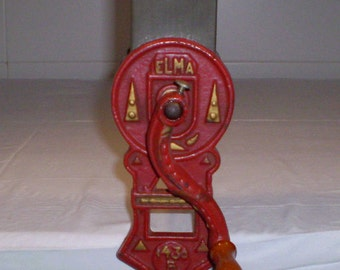 CHOPPER ELMA 1430B 20 years old. Iron cast. Article for kitchen. Decoration.