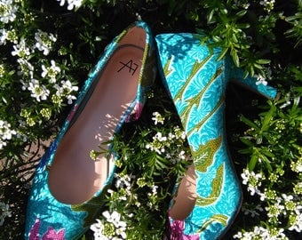 Pump - Ethnic Pattern - unique comfortable elegant stylish - customized with original ethnic fabrics - different colors and patterns