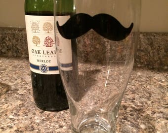 Mustache Pilsner Glass | Mustache Beer Glass | Mustache Gift | Customized Glass | Funny Drinking Glass | Gifts for Men | Groomsmen Gifts