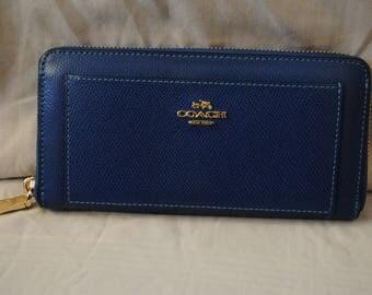 Coach Clutch Wallet Blue Pebble Leather