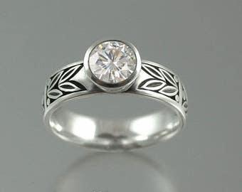 SACRED LAUREL 14K gold engagement ring with Moissanite