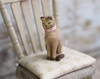 Dolls House Miniature Cat Sculpture in 12th scale