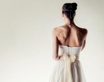 Bridal sash, Sequin Silk sash, Bridal belt with bow, Wedding belt, Ivory sash, white sash, cream belt, wedding accessories, silk obi belt