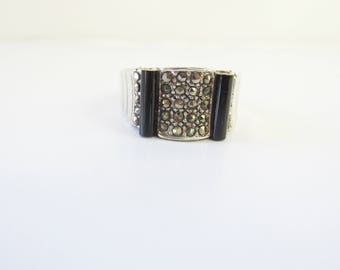 Sterling Silver Art Deco Style Band Ring with Marcasite and Black Onyx - Size 8     1545D