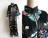 Vintage 1920s Chinese Pajamas - Silk Satin Black Heavily Embroidered Floral Medallions - Antique Lounge Pyjamas - Small Medium