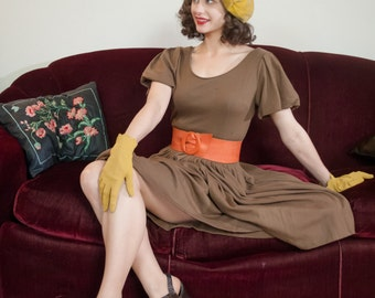 Vintage 1950s Dress - Delightful Taupe Wool Jersey 50s Day Dress with Full Skirt and Bubble Sleeves