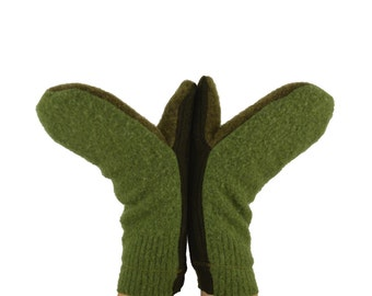 Mittens in Shades of Green - Sage Moss Earth Green - Recycled Wool - Fleece Lined