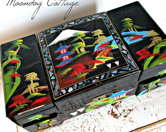 GoRGeouS ANTiQuE ORieNTaL MuSiC/JeWeLRY BoX with TWiRLiNG BaLLeRiNa & MaN - OVeR 75 YeaRS OLD