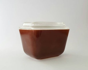 Pyrex Refrigerator Dish with Lid, Brown