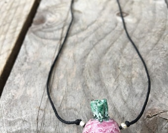 Stoneware necklace with a little radish  - Necklace from Italy