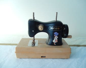 Holly Hobbie sewing machine, vintage toy, miniature sewing machine, home decor, sewing room
