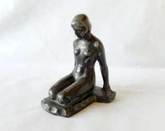 art deco statue/patinated spelter metal/nude/figurine/display piece/art and collectibles