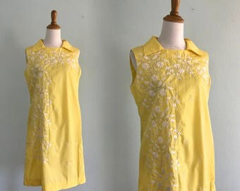 Gorgeous 60s Daffodil Yellow Embroidered Shift Dress - Vintage Yellow Dress Tesoro's Philippines - Vintage 1960s Dress L XL
