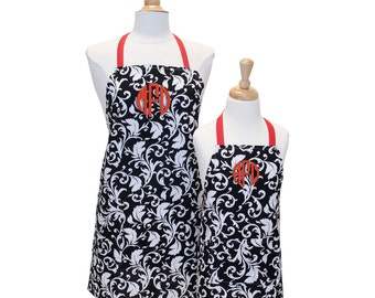 Girls Apron Matching Aprons Toddler Apron Mother Daughter Mommy and Me Aprons Matching Aprons Little Girl Apron Kids Personalized Apron Set