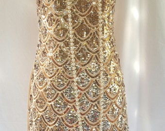 gold sequin dress, gold 20s dress, 90s does 20s,  flapper girl, flapper dress, 20s costume, stretchy plain back,
