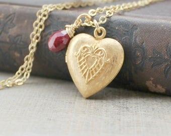 Gold Heart Locket, Gold Locket, Gold Photo Locket, Vintage Jewelry, Ruby Locket, July Birthstone Locket, Gold Picture Locket Pendant
