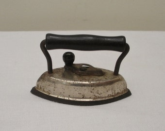Vintage Dover Small Sad Iron - Lace Iron