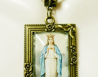 Our Lady of the Sea picture frame pendant and chain - AP05-416