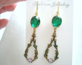 Emerald Green Glass Stone Earrings Gold Tone Filigree
