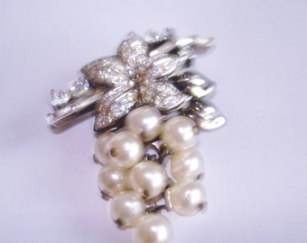 Crown Trifari Clear Rhinestone Grape Vine Brooch Silver Tone
