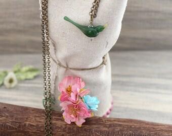 Bird necklace, custom bird jewelry, gift for bird lovers, bird pendant, green bird necklace, long bird necklace