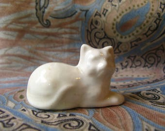 WHITE PORCELAIN CAT Figurine, 2 Inch Long Miniature Collectible Figurines Cute Sweet Cats Small Ceramic Kitty Kitties KnickKnack Knick Knack