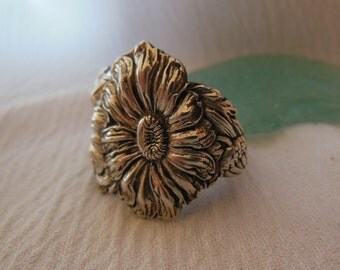Daisies   Antique  Sterling Silver Spoon Ring size 8.75