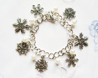 Snowflake Charm Bracelet, Winter Bracelet, Snowflake Bracelet, Cute Bracelet, Charm Bracelet, Christmas, Winter, Snowflake, Cute