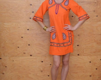 Vintage Beautiful Orange Cotton Paisley Indian Style Dress With Unique Embroidery Detail SZ Small