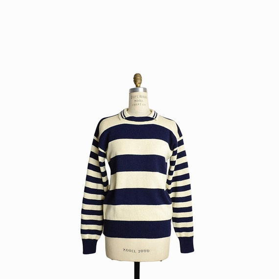 Vintage Nautical Striped Sweater in Navy Blue & Cream - women's medium