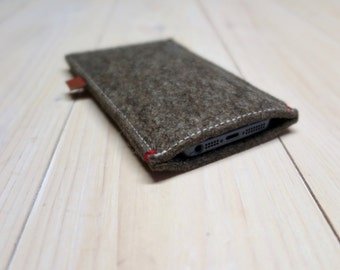 FELT IPHONE 7 / 6 CASE - Sand Brown woolfelt All natural ecogadget ecocase also for iphone 7 6 plus + and iPhone se Dutch Design