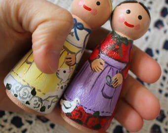 """Snow White and Rose Red - Fairy Tale Peg Doll Set Large 3.5"""" size"""