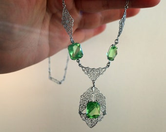 Vintage Art Deco Filigree and Peridot Green Glass Rhodium Necklace