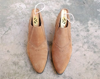 Vintage Womens 5.5 Ellemenno Rodeo Brazilian Tan Nubuck Leather Slip On Pointy Toe Oxfords Shoes Booties Boots Southwestern Boho Hipster 90s