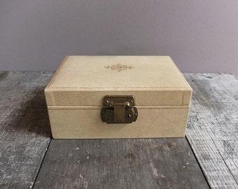 Vintage 1950s Jewelry Box / Cream & Gold Jewelry Box / Mid Century Jewelry Box